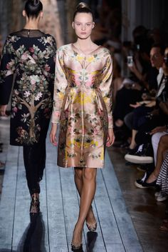 Valentino. Fall 2012 Couture. Such a sumptuous looking silk dress. The floral print is very Chinese-wallpaper like to me and it makes a pretty pattern for a silk frock.