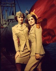 Women`s Army Corps in colour /1940