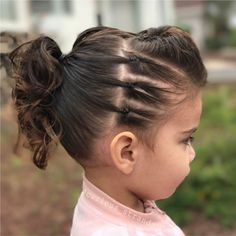 We're ready to rock today, ready for a concert or preschool, whatever happens at in the morning 😂 this is our edgy look, first time I… Girls Hairdos, Lil Girl Hairstyles, Princess Hairstyles, Trendy Hairstyles, Sassy Haircuts, Natural Hairstyles, Toddler Girls Hairstyles, Birthday Hairstyles, Amazing Hairstyles