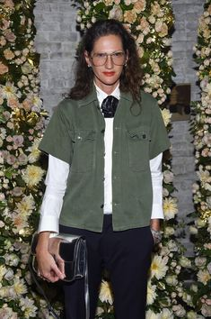 Jenna Lyons attends John Hardy And Vanity Fair Celebrate Legends at Le Coucou on October 24 2017 in New York City Love Her Style, Cool Style, Jenna Lyons, J Crew Style, Basic Outfits, Casual Elegance, Vanity Fair, Work Fashion, New York Fashion