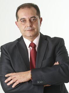Eduardo Bustillo, Factory Supervisor