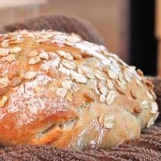 "Great ""No Knead"" Artisan Bread - I Adore Food!- This is the recipe I used for my bread, I just used whole wheat flour instead of all purpose. Artisan Bread Recipes, Baking Recipes, Traditional Bread Recipe, Loaf Bread Recipe, Dinner Bread, No Knead Bread, Breakfast Pastries, Our Daily Bread, Easy Bread"