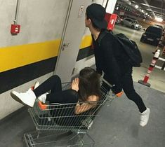 Risultato immagini per aesthetic boy and girl best friends Boy Best Friend Pictures, Guy Best Friend, Boy And Girl Best Friends, Guy Friends, Best Friend Goals, Boy And Girl Friendship, Friendship Photography, Friendship Pictures, Best Friends Aesthetic