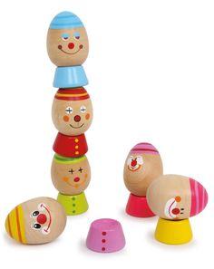 Stapelei. Dieses Holzspielzeug bietet Spaß, kombiniert mit großartigem Lerneffekt. Die bunt lackierten Eier aus poliertem Hartholz sollen mithilfe der Hüte übereinander gestapelt werden. Ein hoher Turm aus jeweils sechs bunten Köpfen und Hüten kann bei genügend Geschick und Geduld gebaut werden. Dieses witzige Spiel schult die Feinmotorik auf tolle Art und Weise.