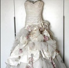 "My wedding dress...Ian Stuart ""Flowerbomb"""
