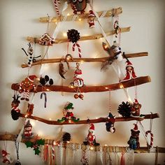 Mon sapin suspendu avec toutes mes déco de noël 100 % fait main . toutes mes créations sont à découvrir sur ma boutique Etsy  www.etsy.com/fr/shop/Mesideesdejenni #noel#decorationdenoel#sapin duspendu#ecureuil#perenoel#ange#ornement#france#fimo#paris#decoration#creations#creation#etsy#faitmain#boutiques#boutique#createurfrancais#createur#perenoel#ange#christmas#ideescadeaux#cadeaudenoel
