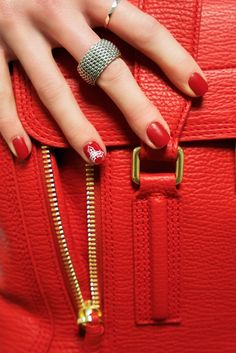 5 Festive Nails Ideas for this Holiday Season