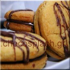 ΓΕΜΙΣΤΑ ΜΠΙΣΚΟΤΑ ΜΕ ΑΡΩΜΑ ΠΟΡΤΟΚΑΛΙ Σοκολάτα + Πορτοκάλι= Μπισκότο γεμιστό Soul Food, Baked Potato, Donuts, Cookie Recipes, Muffins, Sweets, Cookies, Chocolate, Baking