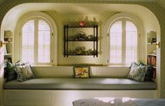 My Favorite Window Seat Ideas - Time to Read! -  Such a cozy nook.  See more window seat ideas.  http://thegardeningcook.com/my-favorite-window-seat-ideas-time-to-read/