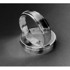 Alianzas Ingrid con grabacion de la huella digital en el interior // Ingrid wedding bands with fingerprint