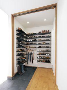 設置スタイル in 2020 Bookcase Wall, Bookshelf Design, Bookcase Storage, Wall Shelves, Floating Shelves Bathroom, Bathroom Storage, Shoe Room, Salvaged Doors, Bathtub Remodel