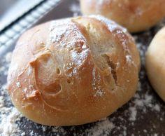 Rezept Dinkel-Joghurt-Brötchen von Schirmle - Rezept der Kategorie Brot & Brötchen