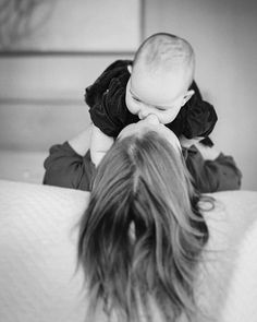 In-Home Lifestyle Baby Photography on film by Kim Hildebrand. A super cold snow day on Seattle leaves time for extra baby smooches❤️ Photography Ideas At Home, Seattle Photography, Lifestyle Newborn Photography, Children Photography, Family Photography, Photos With Dog, Baby Photos, Baby Pictures, Best Family Vacation Spots