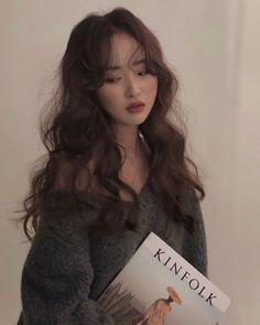 - Beauty Home Korean Hairstyle Long, Korean Haircut, Korean Hairstyles, Wavey Hair, Long Curly Hair, Curly Hair Styles, Hair Lights, Light Hair, Hair Inspo