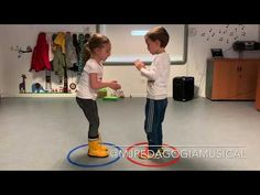 Baú - YouTube Physical Activities For Kids, Physical Education Games, Preschool Learning Activities, Music Activities, Infant Activities, 100th Day Of School Crafts, Zumba Kids, Building Games For Kids, Forest School Activities