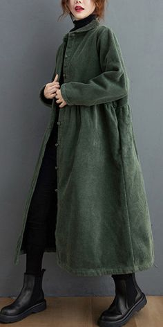 French blackish green Fine crane coats Inspiration thick wrinkled women coats Mode Outfits, Fashion Outfits, Womens Fashion, Mode Style Anglais, Ethno Style, Estilo Denim, All Jeans, Mode Inspiration, Coats For Women