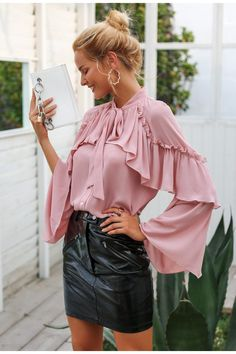 women long layered flare sleeve blouse Temperament lace up ladies chiffon blouses 2018 Autumn winter ruffle blouse shirt Cute Blouses, Blouses For Women, Casual Winter, Women's Casual, Chiffon Ruffle, Ruffle Blouse, Chiffon Blouses, Pink Ruffle Dress, Outfits Con Camisa