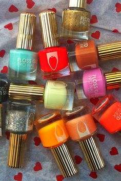 Madeline Poole website has such killer nail ideas.