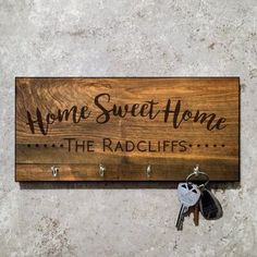 Wooden Pallet Projects 4 Wooden Shoes x x Personalized Sweet Home Key Hook - Outdoor Wood Projects, Wooden Pallet Projects, Wooden Pallets, Diy Pallet, 1001 Pallets, Diy Projects, Spring Projects, Pallet Art, Pallet Signs