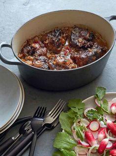 Chinese braised oxtail Chinese Braised Oxtail The post Chinese braised oxtail & Yum appeared first on Oxtail recipes . Oxtail Recipes, Beef Recipes, Cooking Recipes, Healthy Recipes, Recipies, Beef Oxtail, Braised Oxtail, Gordon Ramsay, Gourmet