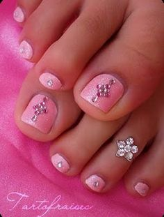 rhinestone toes. ok not clothes but so gonna do this...i luv dressing my toes
