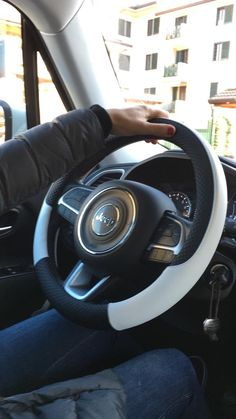 Jeep Wrangler Accessories Discover The Best Jeep Steering Wheel Cover for All Jeeps! Jeep Grand Cherokee Accessories, Jeep Wrangler Accessories, Jeep Patriot Accessories, Jeep Compass Accessories, Bmw I3, Jeep Steering Wheel Cover, Steering Wheels, Jeep Tire Cover, Toyota Prius