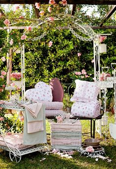 shabby chic garden on pinterest shabby arbors and in. Black Bedroom Furniture Sets. Home Design Ideas