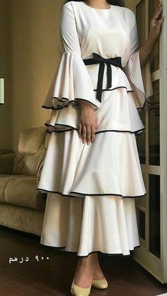 Tesettür Söz Elbisesi Modelleri - Crooked Tutorial and Ideas Hijab Prom Dress, Hijab Style Dress, Dress Outfits, Abaya Fashion, Muslim Fashion, Modest Fashion, Fashion Dresses, Modest Dresses, Casual Dresses