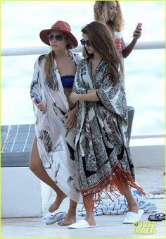 Selena Gomez: Bikini Beach Babe in Miami! | Bikini, Selena Gomez Photos | Just Jared