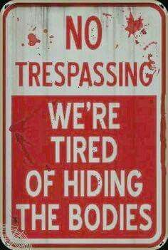 Need 4 the fence at my house Halloween Signs Halloween Signs, Holidays Halloween, Halloween Crafts, Happy Halloween, Funny Halloween Sayings, Halloween Tricks, Haunted Halloween, Halloween House, Halloween Stuff