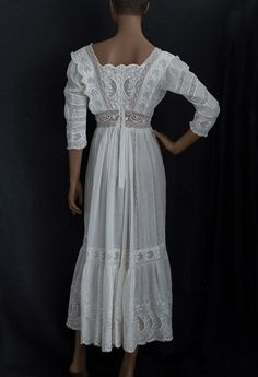 ❥ Embroidered cotton tea dress, c.1910