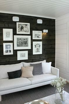 living room with dark walls Living Space With Dark Dramatic Walls: Thirty Ideas Cheap Living Room Sets, Living Room Colors, Small Living Rooms, Living Room Decor, Living Spaces, Log Home Interiors, European Home Decor, Sombre, Dark Walls