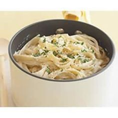 """Smarter Fettuccine Alfredo _ """"Enjoy alfredo again. This creamy sauce is guilt-free when prepared with light cream cheese and reduced-fat parmesan cheese. Sauce Recipes, Pasta Recipes, Appetizer Recipes, Recipe Pasta, Cheese Recipes, Chicken Recipes, Fettucine Alfredo, Chicken Alfredo, Alfredo Sauce Recipe Easy"""