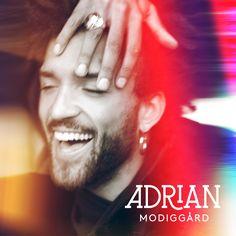 Adrian Modiggård I alla regnbågens färger