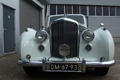 Bentley Mark VI - 1946 Luxury Cars, Antique Cars, Grills, Vehicles, Cars, Automotive Design, Fancy Cars, Vintage Cars, Rolling Stock