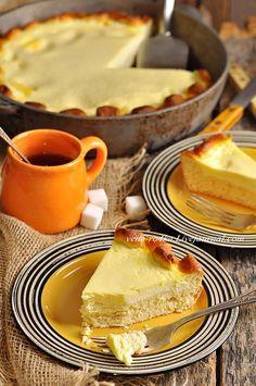 Сметанник – это классический татарский пирог на дрожжевом тесте со сметанной начинкой, похожей на нежнейшее суфле. Печется быстро и легко, к чаю –…