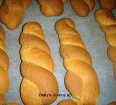 Betty's Cuisine: Κουλουράκια δίχρωμα Hot Dog Buns, Hot Dogs, Sweets Recipes, Bread, Food, Essen, Breads, Baking, Buns