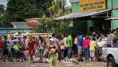 Plunderingen in een supermarkt in Ciudad Bolivar.