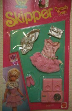Vintage Matel Skipper Clothing Barbie Pink Stamp 1992 NEW