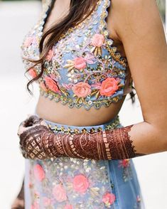 Looking for the perfect blouse design for your lehenga to take inspiration from? Then there are so many gorgeous options out there, that it might just be too much to handle! A lot of brides think it i. Saree Blouse Neck Designs, Blouse Designs, Lehenga Designs, Blouse Patterns, Mehndi Designs, Lehenga Blouse, Lehnga Dress, Stylish Blouse Design, Indian Blouse