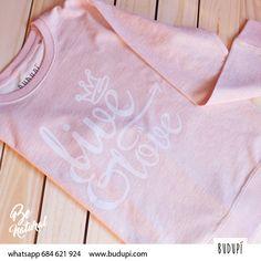¡Buenos días! ¿nos vestimos hoy cómodos con nuestra sudadera grafitera? Live & Love, en color rosa jaspeado muy suavecita. Con unos vaqueros, playeros y una chaqueta queda fenomenal. ☺️Disponible en nuestra web www.budupi.com o por whatsapp 684 621 924  #rosa #pink #tshirt #camisetasmolonas #camiseta #sudadera #outfitpost #wear #moda #topshop #asturias #spain #trendlokk #instanlook #instanlove #instanlove #loveit #love #amor #likeforlike #stylegram #lifestyle #happy #smile #life