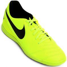 34ec7d29fc65c A Chuteira Nike TiempoX Rio 3 IC Masculino é confeccionada em couro na  parte do cabedal. Decker Online