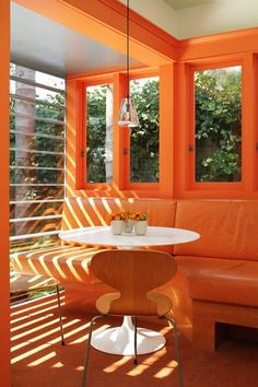 Bright Orange & Modern Kitchen certainly no lack of s. - Bright Orange & Modern Kitchen certainly no lack of sunlight or bright ora - Orange Kitchen, Kitchen Colors, Kitchen Spotlights, Home Interior, Interior Design, Orange Rooms, Green Rooms, Orange Aesthetic, Rainbow Aesthetic