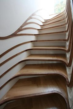 I WOULD literally break a LEG! :/ So pretty but no.... Treppenporn: Sensualscaping Stairs
