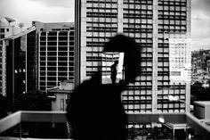 Christopher ANDERSON :: Reflection in window in Altamira, Caracas, Venezuela, 2006