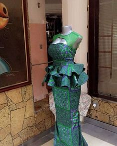 Stunning Ankara Skirt and Blouse Style For Wedding Ceremonies - Sisi Couture African Dresses For Women, African Print Dresses, African Attire, African Wear, African Women, African Fashion Ankara, African Inspired Fashion, African Print Fashion, Africa Fashion