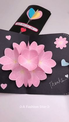 Flower Greeting Card Making Idea – Latest Greeting Card Design - DIY Have you ever thought about making your own greeting card? Today I am going to teach you to make beautiful and amazing Flower Greeting Card. Diy Crafts Hacks, Diy Crafts For Gifts, Diy Arts And Crafts, Creative Crafts, Crafts For Kids, Diy Creative Cards, Bead Crafts, Paper Flowers Craft, Paper Crafts Origami