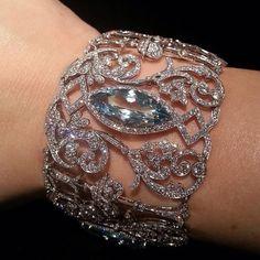#bangles #bangles #bracelets #bracelet #banglebracelet #diamond #diamonds #diamondbracelet #aqua #disney #disneyland #disneyworld #princess #dubai #jewelry #jewelrydesigner #jewelrygram #jewelrydesign #jewellery #jewelryfashion #luxuryfashion