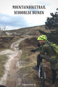 Hoge duinen, singletrails in de bossen, heide en mul zand; dat is in het kort mountainbiken in de Schoorlse Duinen. Het parcours van de 15 kilometer lange mountainbikeroute is geen meter hetzelfde en een leuke uitdaging voor de beginnende én ervaren mountainbiker
