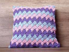 Chevron Crochet, Crochet Birds, Cute Crochet, Crochet Patterns, Gypsy Crochet, Crochet Cushion Cover, Crochet Cushions, Crochet Pillow, Crochet Granny